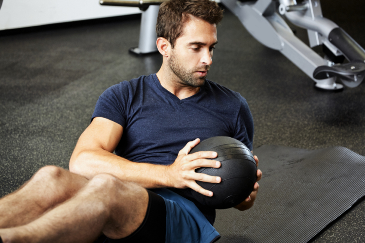 腹筋運動のコツは「捻り」にアリ
