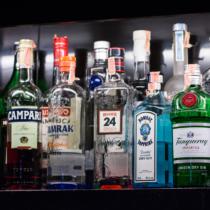 地上最強の酒「スピリタス」、まずはショットで