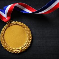 金メダルとは金色に輝くメダル