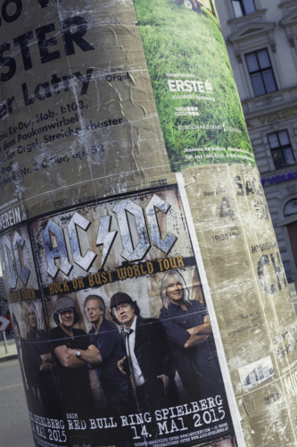AC/DC「Whole Lotta Rosie」(エーシー・ディーシー「ホール・ロッタ・ロジー」)