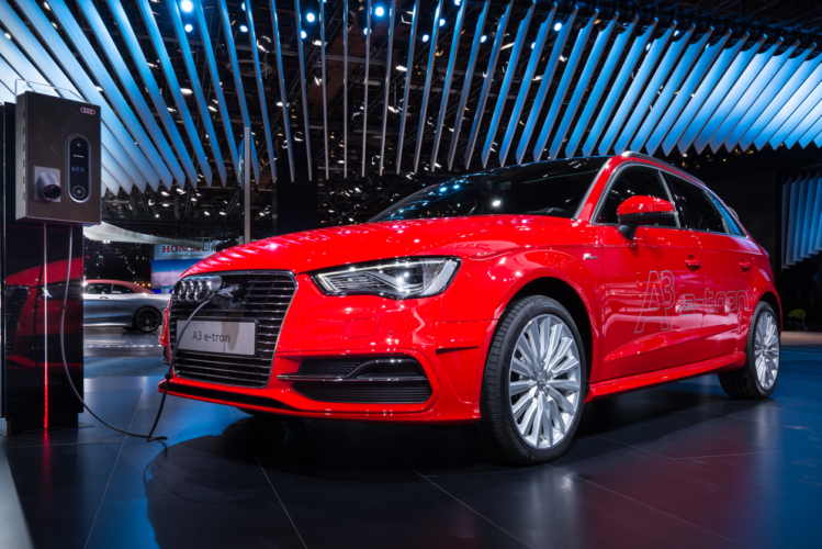 Audi A3 スポーツパック e-tron