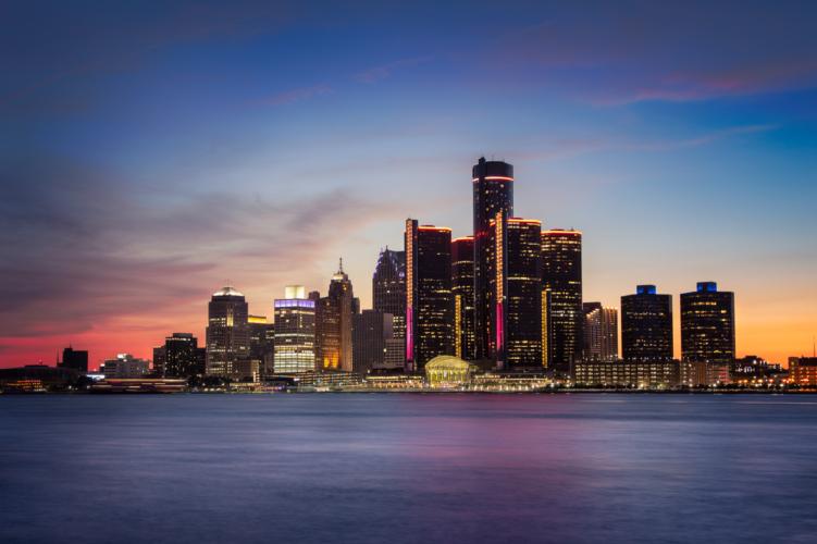 ハードロックの王者・キッスの「デトロイト・ロック・シティ」