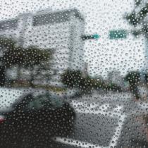 なぜか曇ってしまうフロントガラス