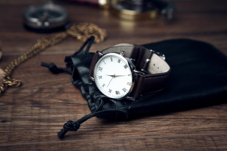機械式腕時計のこだわりを全面に押し出した時計の復活劇