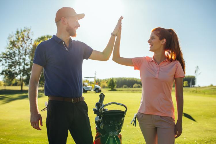 ゴルフのプロアマ戦とは、接待ゴルフの一種