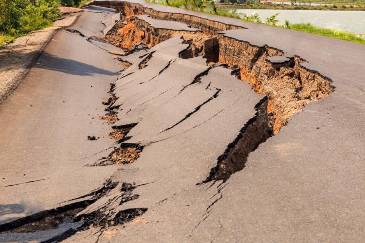 北海道地震で再び猛威を振るう土地の液状化