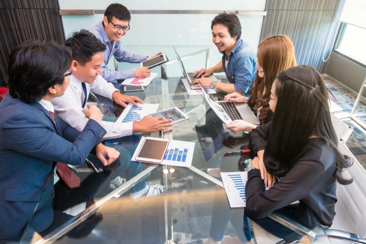スタートアップや中小企業に魅力を感じる若者たち