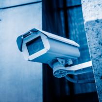 防犯カメラは高額で画質も荒い