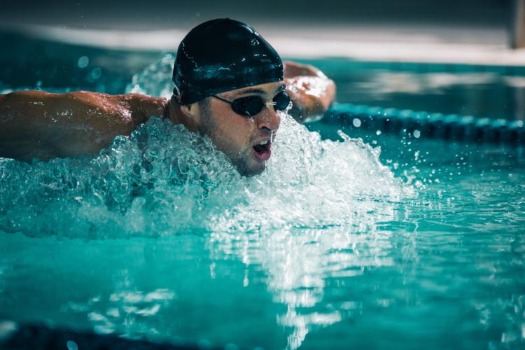 水泳で消費するカロリーは?