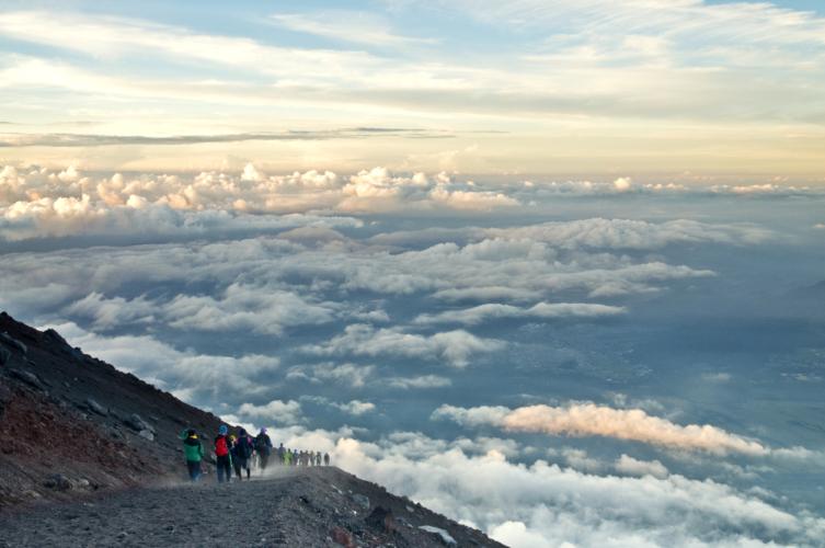 富士山に登るならどんな準備が必要か?