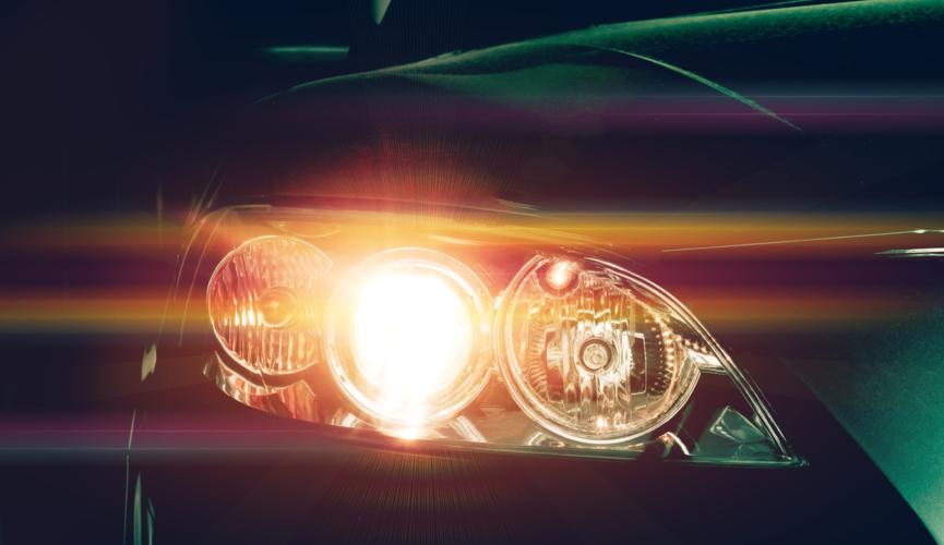 自動車の安全のためヘッドライトを点灯させたいタイミング!
