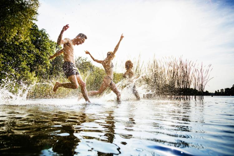 意外と人間関係も広がりやすい水泳