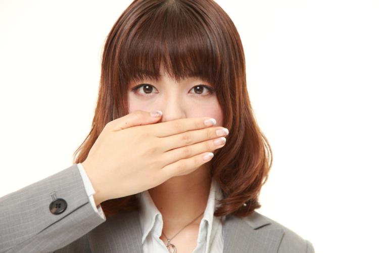 口臭の原因が疾患とは限らない