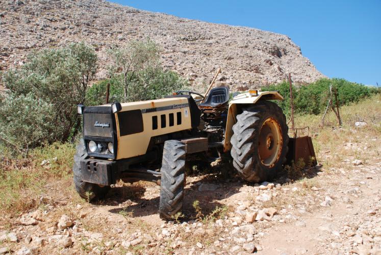 トラクターメーカー製などと揶揄されていました
