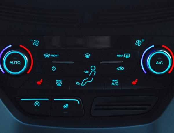 車のエアコンにある「A/C・デフロスタ・内外気切替」っていつ使うかわかります?