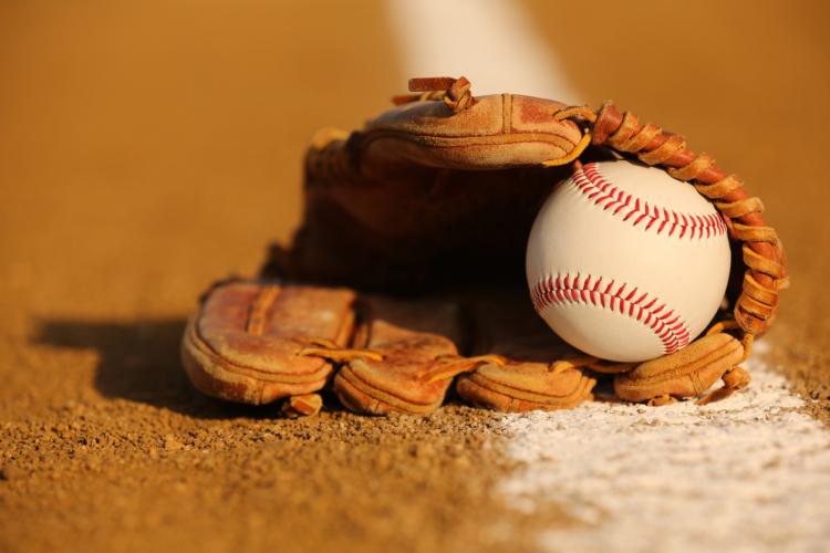 野球の球場でスタンドの一部をアルプススタンドと呼ばれる理由とは?