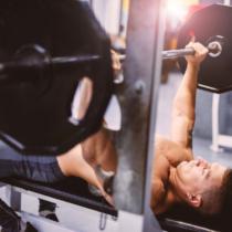大胸筋発達のためにはベンチプレスが最適!