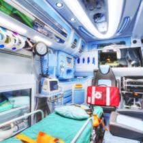 ドクターカーは有料、救急車は無料