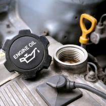 車のエンジンオイル交換について