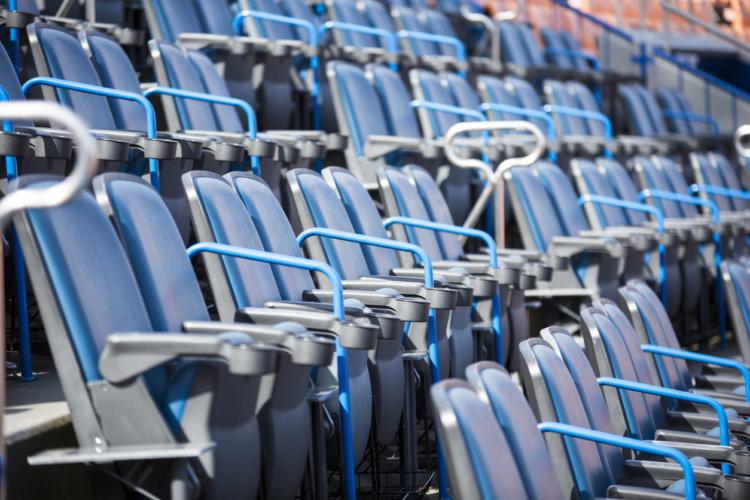 野球観戦をするにはどこの席がいいの?
