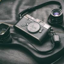 何のことはない、古いフィルムカメラですが