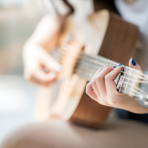 ラブソングの今と昔で女心の変化を確かめる