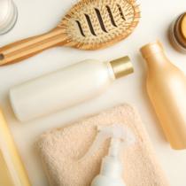 頭皮ケア用のシャンプーやトリートメントは使うべきなの?