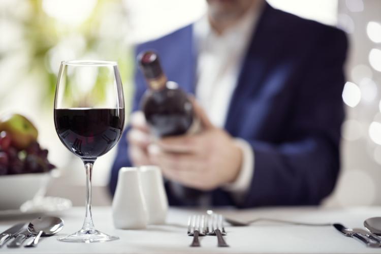 悩めるオヤジをソムリエが救う!恥をかかないワイン選び【マナーの達人】