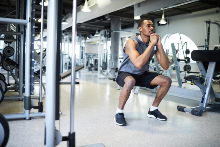 下半身の筋肉増強「ワイドスクワット」